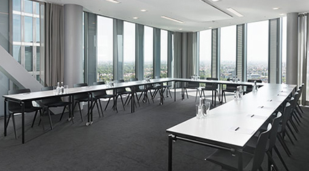 Product Focus Munich training venue - Design Offices Highlight Towers, training room